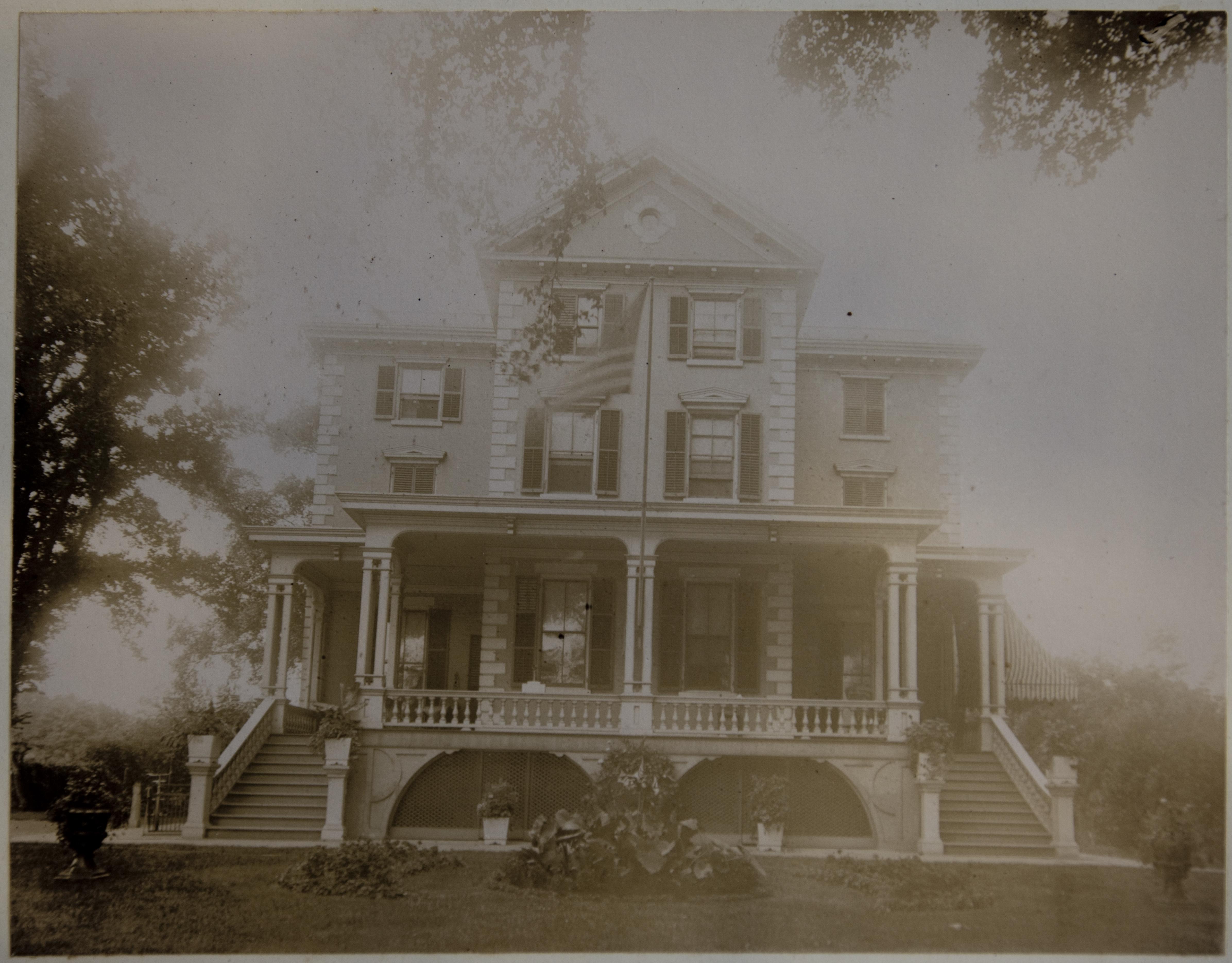 Governor\'s Mansion - Snug Harbor Cultural Center & Botanical Garden