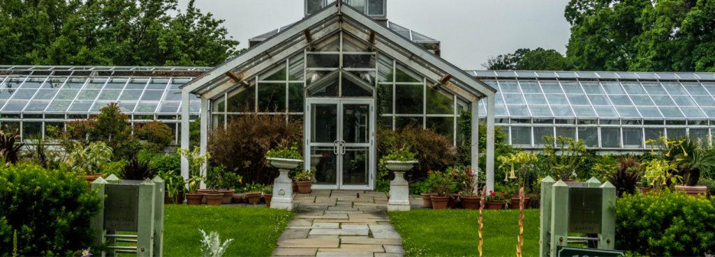 Garden Walk Mall: Snug Harbor Cultural Center & Botanical